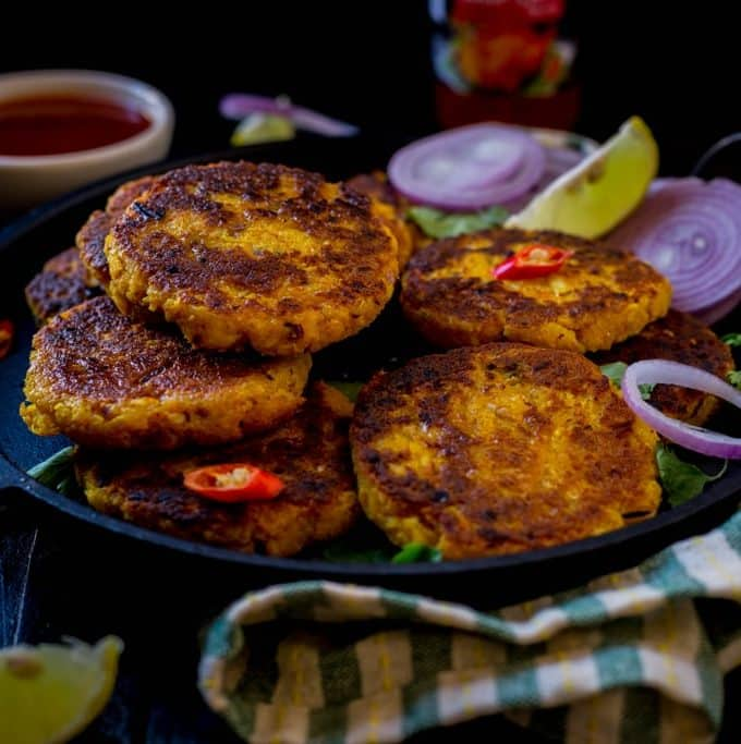 Nadia ,Chenna Bhaja ( Coconut and Cottage Cheese fritters )