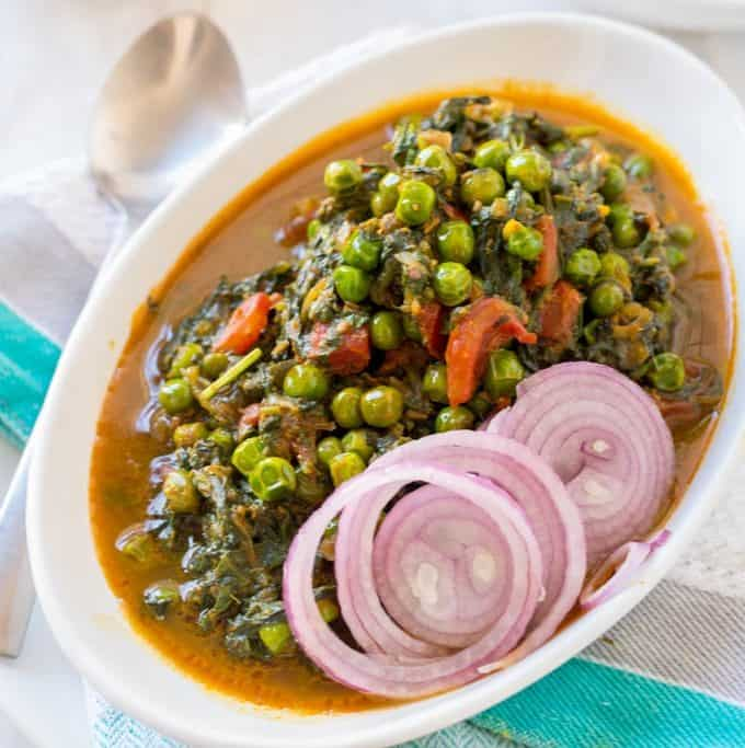 Palak Matar Curry ( Spinach and Green Peas Curry)