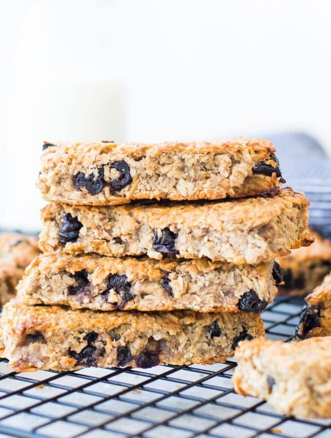 BLUEBERRY BANANA GRANOLA BAR