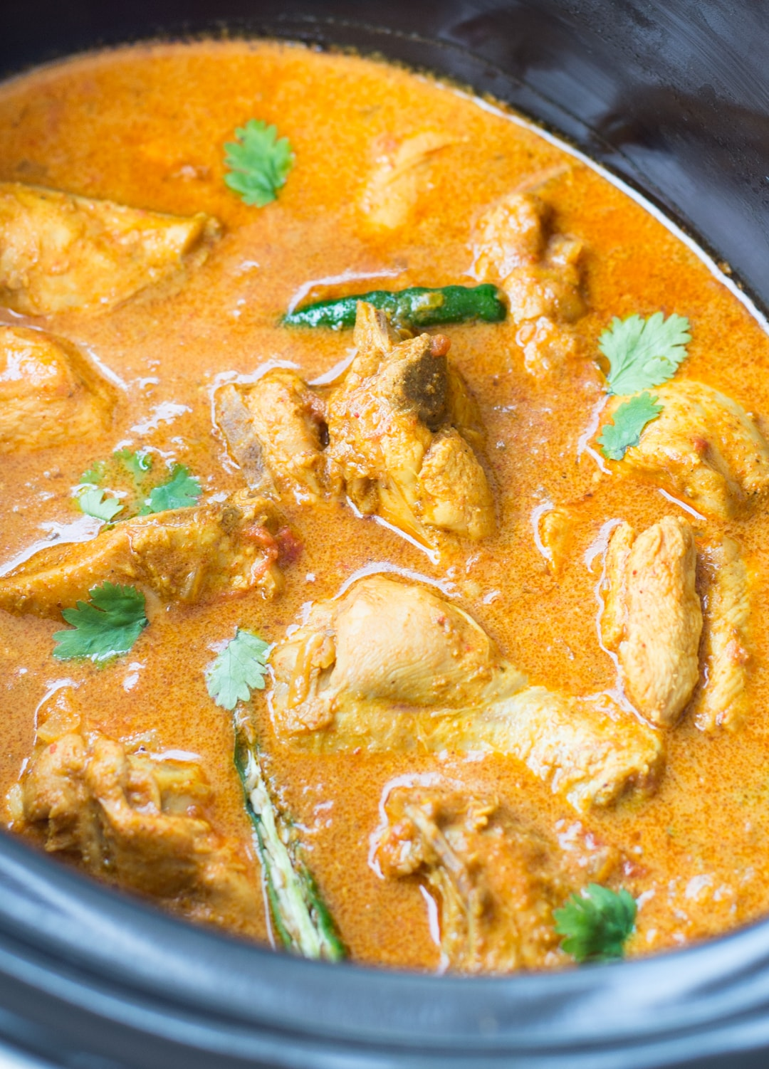 Slow Cooker Coconut Chicken Curry with amazing flavours is rich and creamy. Easy Indian Chicken Curry is made with freshly ground spices for best flavours.vv