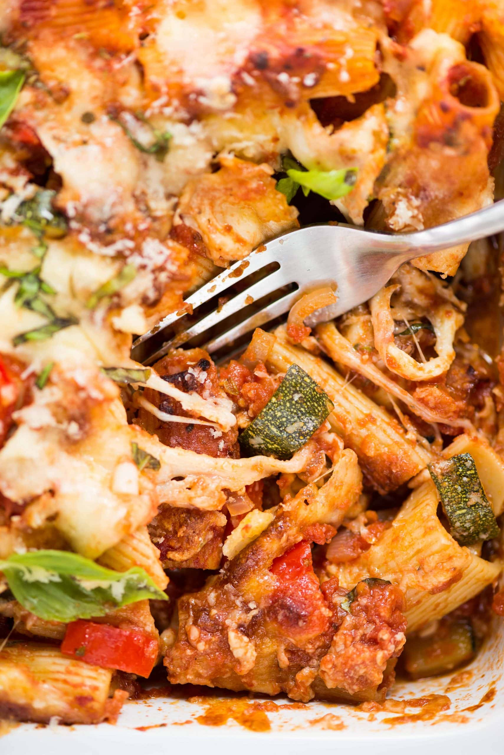 An Easy and delicious Vegetable Pasta dish that brings the goodness of vegetables and the flavours of cheese and garlic to pasta. This pasta bake recipe  is versatile and you can make with veggies and ingredients from the pantry.