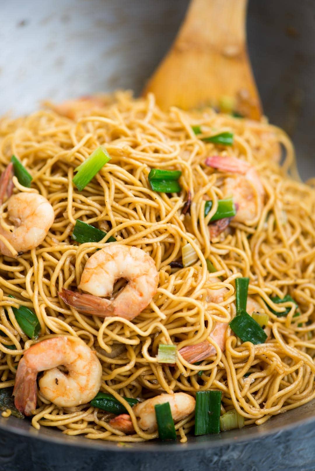 Asian Shrimp Garlic Noodles The Flavours Of Kitchen