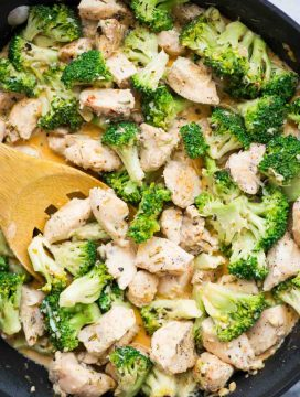 Chicken and Broccoli in a wonderful creamy garlic parmesan sauce is a healthy and low carb one-pan dinner.