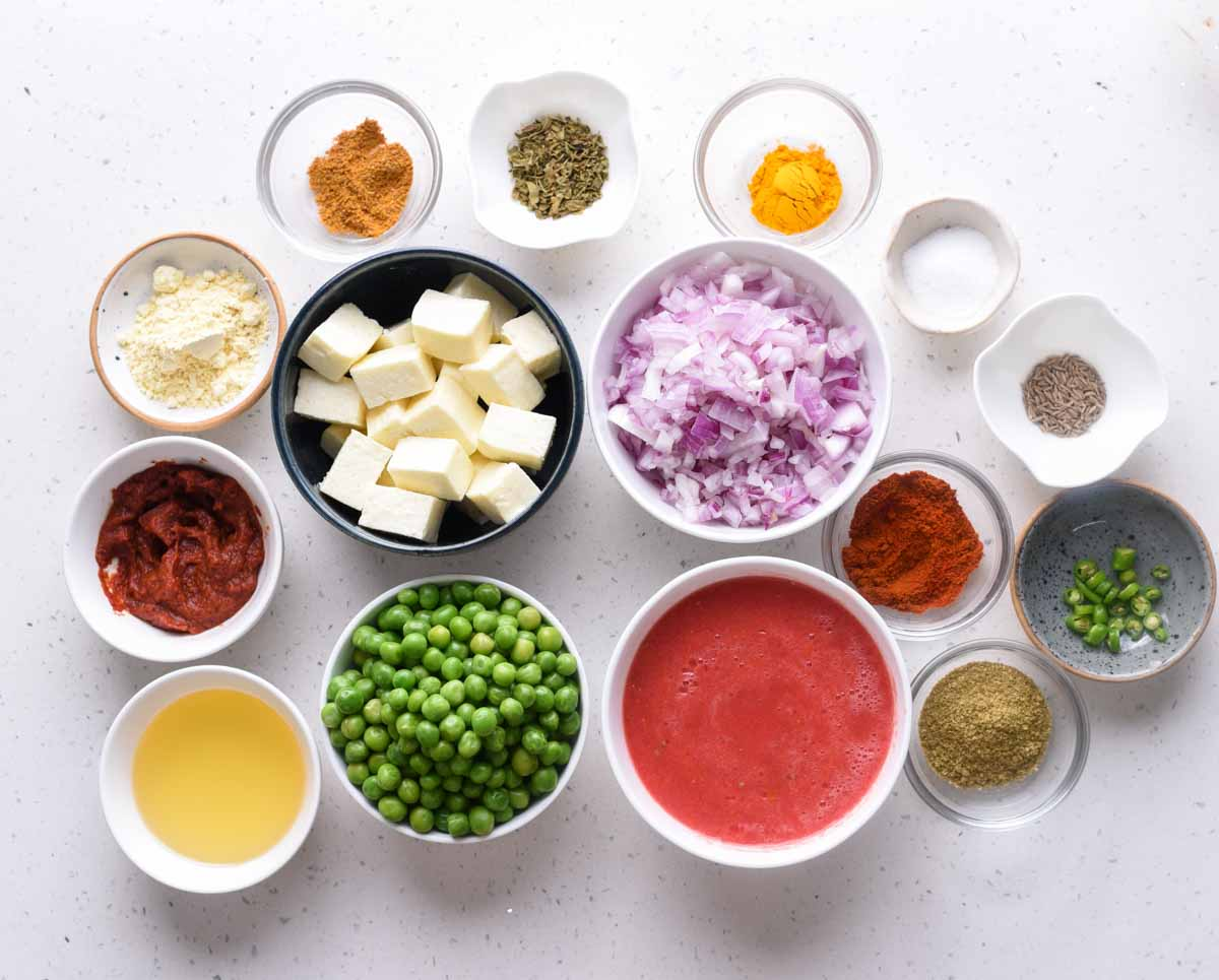 List of ingredients you need for the best Matar paneer curry.